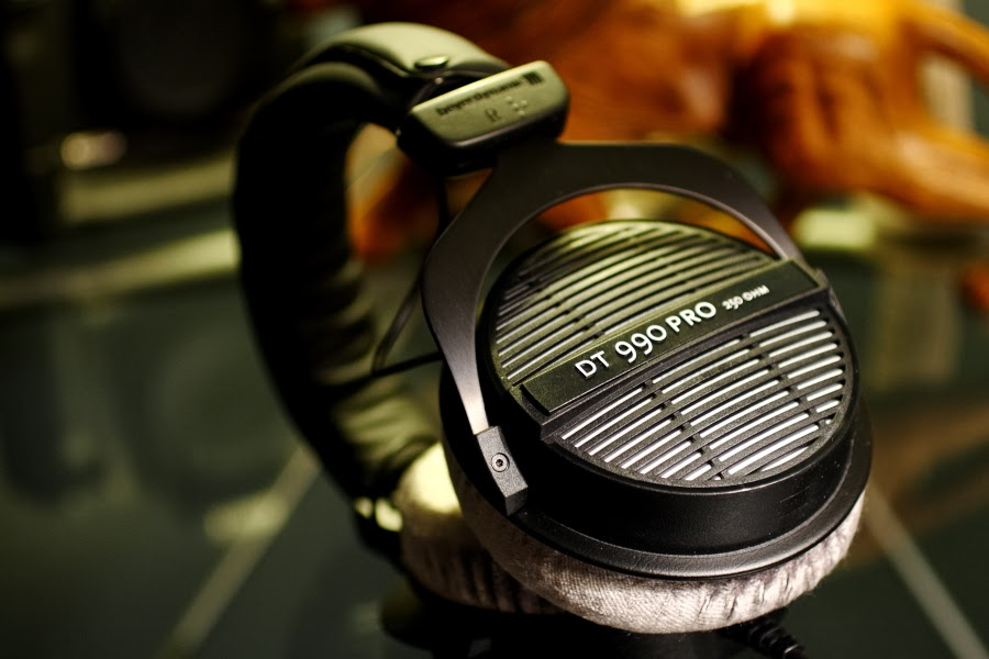 beyerdynamic dt 990 pro headphones review abtec audio lounge blog. Black Bedroom Furniture Sets. Home Design Ideas
